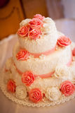 Torta con las rosas rosadas Fotos de archivo