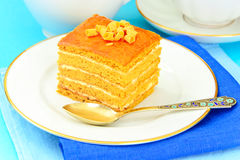 Torta con leche condensada, las nueces y la miel Imagen de archivo libre de regalías