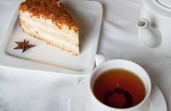 Torta con té Imágenes de archivo libres de regalías