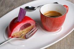 Torta con una taza de café Imagen de archivo