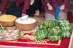 Torta cruda de Chungkin, la comida más importante del Año Nuevo lunar vietnamita Tet fotografía de archivo libre de regalías