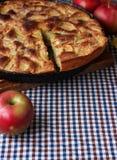 Torta das maçãs na tabela Ainda vida, alimento Imagem de Stock