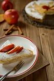 Torta de Apple polvilhada com o açúcar Foto de Stock Royalty Free