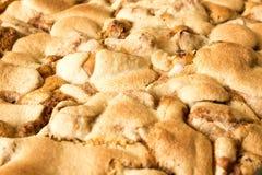 Torta de Apple recentemente cozida Fim acima homemade pronto para comer fotos de stock