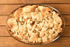 Torta de Apple recentemente cozida Fim acima homemade pronto para comer Parte superior v fotos de stock royalty free
