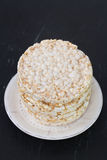 Torta de arroz en plato imagen de archivo