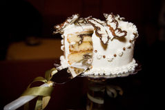 Torta de boda de la mariposa Imagenes de archivo