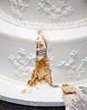 Torta de boda de la porción Fotografía de archivo