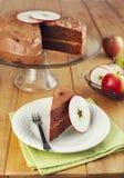 Torta de capa de la compota de manzanas del chocolate Imagen de archivo