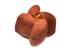 Torta de chocolate. Aún-vida en el fondo blanco Fotos de archivo libres de regalías