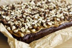 Torta de chocolate con caramelo Fotografía de archivo libre de regalías