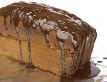 Torta de chocolate con la formación de hielo rica Imágenes de archivo libres de regalías