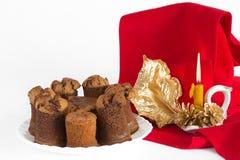 Torta de chocolate con las decoraciones Fotografía de archivo