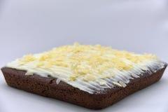 Torta de chocolate con las escamas de la almendra Imágenes de archivo libres de regalías