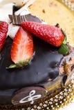 Torta de chocolate con las fresas Fotografía de archivo