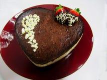 Torta de chocolate del corazón del valentin de San Foto de archivo