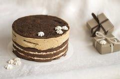 Torta de chocolate deliciosa con el merengue Fotos de archivo