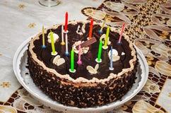 Torta de cumpleaños con la vela ardiente número 13 Fotografía de archivo