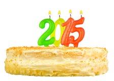 Torta de cumpleaños con las velas número 2015 aislada Fotos de archivo libres de regalías