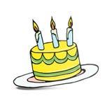 Torta de cumpleaños con tres velas encendidas Foto de archivo libre de regalías