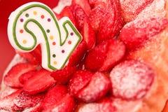 Torta de cumpleaños de la fresa Fotografía de archivo libre de regalías