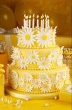 Torta de cumpleaños de la margarita Imagenes de archivo