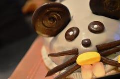 Torta de cumpleaños divertida del ratón imagen de archivo libre de regalías