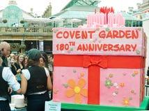 Torta de cumpleaños en cumpleaños del jardín de Covent el 180o Foto de archivo
