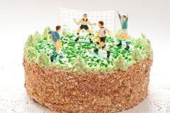 Torta de cumpleaños para el muchacho con los futbolistas Fotografía de archivo libre de regalías
