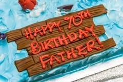 Torta de cumpleaños por 70 años de la celebración Imagen de archivo libre de regalías