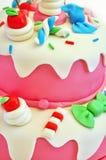 Torta de cumpleaños rosada Fotografía de archivo