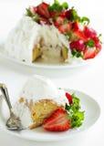 Torta de esponja Angel Food Fotos de archivo libres de regalías