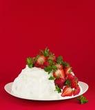 Torta de esponja Angel Food Fotografía de archivo libre de regalías