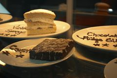 Torta de esponja concreta de la torta de la torta del desierto fotos de archivo