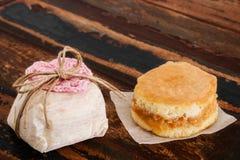 Torta de esponja dulce del casado del bem de la boda brasileña Fotos de archivo libres de regalías