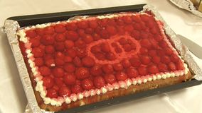 Torta de fruta do casamento vídeos de arquivo