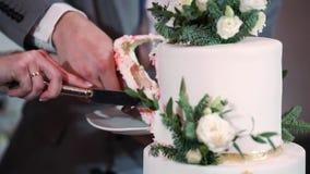Torta de la celebración de la boda almacen de video