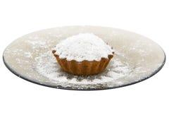 Torta de la cereza con el polvo del azúcar Imágenes de archivo libres de regalías
