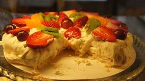 Torta de la crema de la fresa Imágenes de archivo libres de regalías