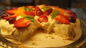 Torta de la crema de la fresa Fotos de archivo libres de regalías