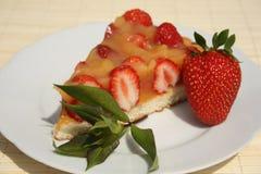 Torta de la fresa Fotos de archivo libres de regalías
