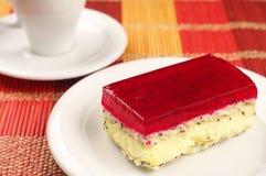 Torta de la fresa con la amapola y el café Imágenes de archivo libres de regalías