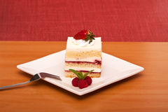 Torta de la fresa con la fork Imagen de archivo