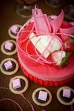 Torta de la fresa de la boda Foto de archivo libre de regalías