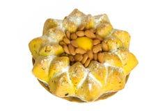 Torta de la fruta del limón con las almendras Imagen de archivo libre de regalías