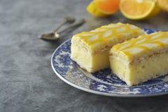 Torta de la llovizna del limón, postre de la torta de la corteza del limón fotografía de archivo