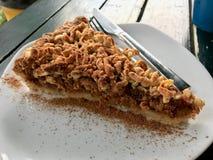 Torta de la migaja de Apple/empanada hechas en casa de la miga en la cafetería/el café foto de archivo