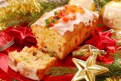 Torta de la Navidad con las frutas secadas imagen de archivo libre de regalías