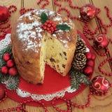 Torta de la Navidad del panettone Imágenes de archivo libres de regalías