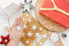 Torta de la Navidad, torta fea del suéter para la fiesta de Navidad Fotos de archivo libres de regalías